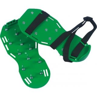 Aerator do trawników w formie nakładek na buty