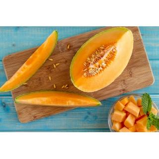 Melon Melba - pomarańczowy, gruby i aromatyczny miąższ