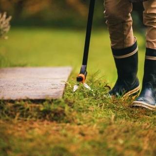 Długie nożyce do trawy - na trzonku - GS46 Servo-System - FISKARS